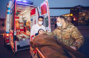 Фонд YAŞAT отправил трех раненых ветеранов на лечение в Турцию