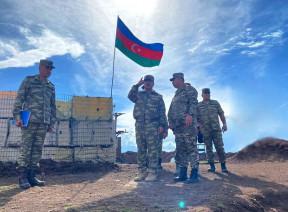 Министр обороны встретился с личным составом, несущим боевое дежурство в Кяльбаджарском районе - ВИДЕО